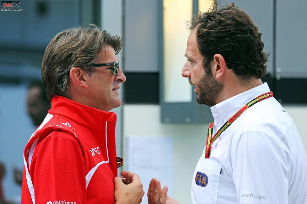 Graeme Lowdon (Marussia) mit FIA-Sprecher Matteo Bonciani