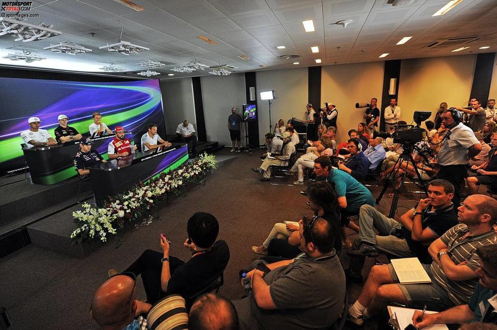 FIA-Pressekonferenz mit Lewis Hamilton (Mercedes), Nico Hülkenberg (Force India), Nico Rosberg (Mercedes), Sebastian Vettel (Red Bull), Fernando Alonso (Ferrari) und Jenson Button (McLaren)