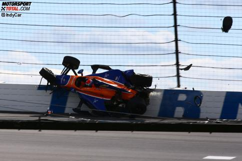 Crash von Charlie Kimball (Ganassi) im Qualifying