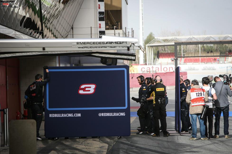 Red Bull versteckt sich gern hinter Stellwänden