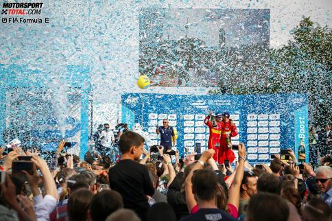 Formel-E Schwede Rosenqvist gewinnt Rennen in Berlin