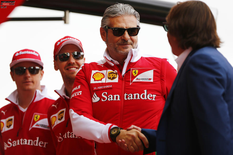 Kimi Räikkönen (Ferrari), Sebastian Vettel (Ferrari) und Maurizio Arrivabene
