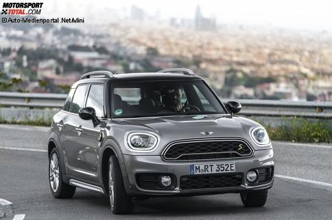 news mini cooper s e countryman all4 2017 bilder infos zu preis daten markstart auto bei. Black Bedroom Furniture Sets. Home Design Ideas