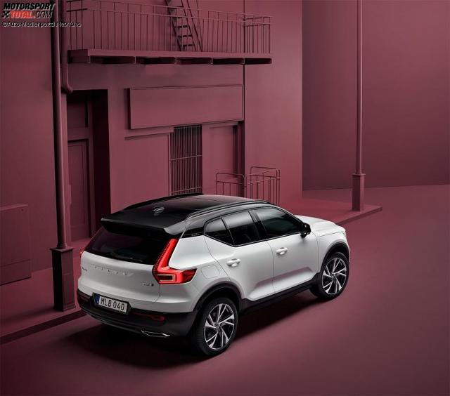 volvo xc40 2018 bilder infos zu preis kofferraum motoren. Black Bedroom Furniture Sets. Home Design Ideas