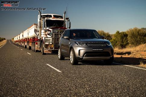 Land Rover Discovery mit Road Train im Schlepp
