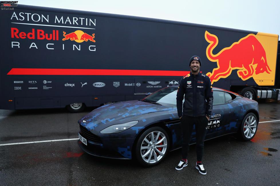 Daniel Ricciardo (Red Bull) mit seinem Dienstwagen, einem Aston Martin DB11 in Spezial-Lackierung