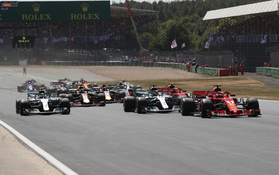 Sebastian Vettel (Ferrari), Lewis Hamilton (Mercedes), Valtteri Bottas (Mercedes), Kimi Räikkönen (Ferrari) und Daniel Ricciardo (Red Bull)