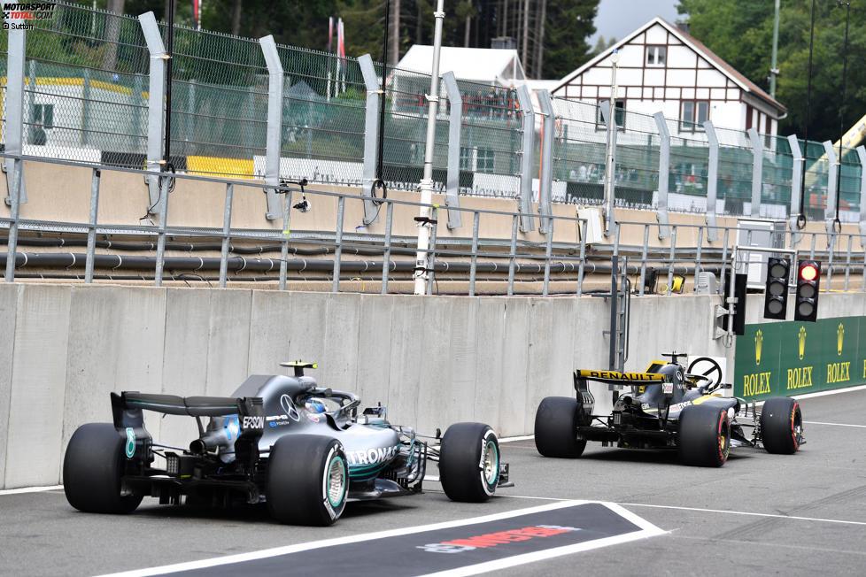 Nico Hülkenberg (Renault) und Valtteri Bottas (Mercedes)
