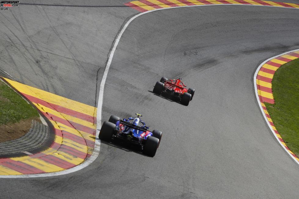 Pierre Gasly (Toro Rosso) und Sebastian Vettel (Ferrari)