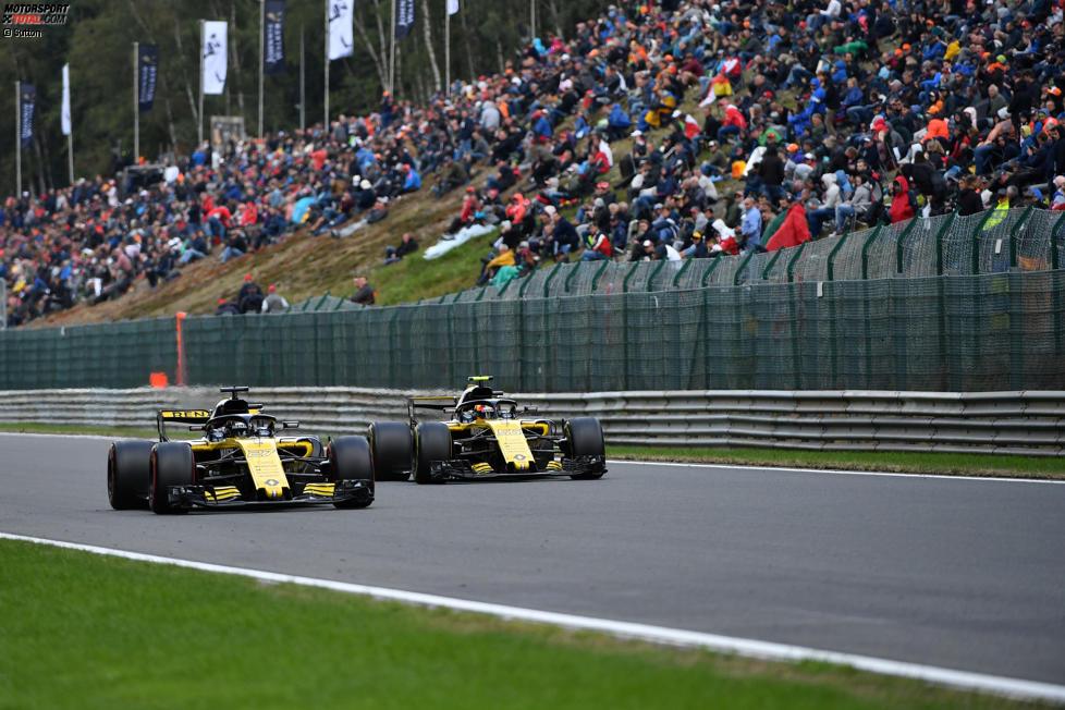 Nico Hülkenberg (Renault) und Carlos Sainz (Renault)