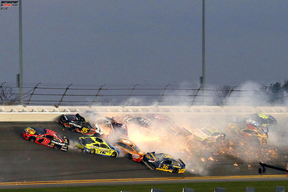 Big One: Massencrash beim Daytona 500