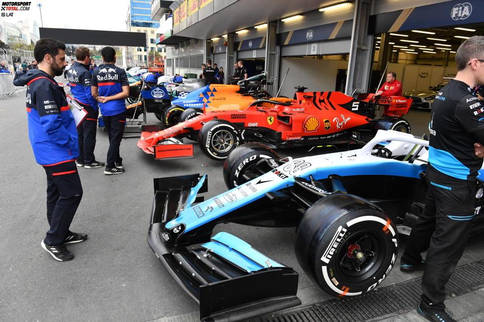 Robert Kubica (Williams), Sebastian Vettel (Ferrari) und Carlos Sainz (McLaren)