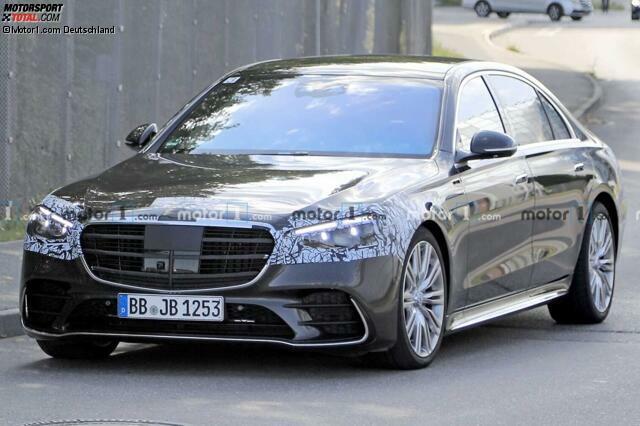 Mercedes S-Klasse W223: Neuer Erlkönig hat kaum noch ...