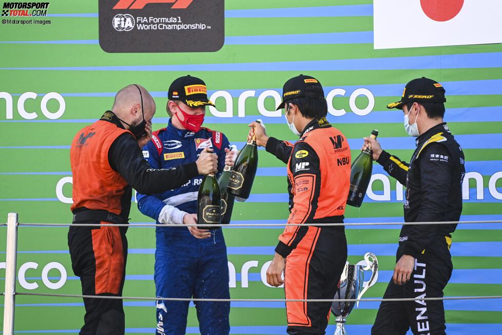 Robert Schwarzman (Prema), Nobuharu Matsushita (MP Motorsport) und Guanyu Zhou (Virtuosi)