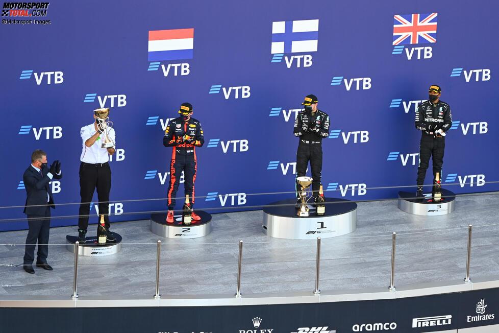 Max Verstappen (Red Bull), Valtteri Bottas (Mercedes) und Lewis Hamilton (Mercedes)