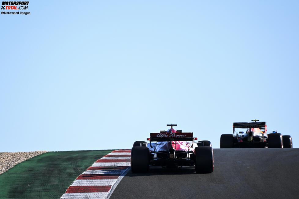 Alexander Albon (Red Bull) und Kimi Räikkönen (Alfa Romeo)