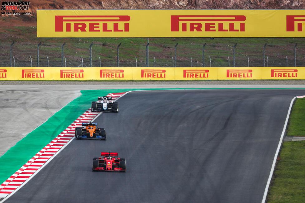 Sebastian Vettel (Ferrari), Carlos Sainz (McLaren) und George Russell (Williams)