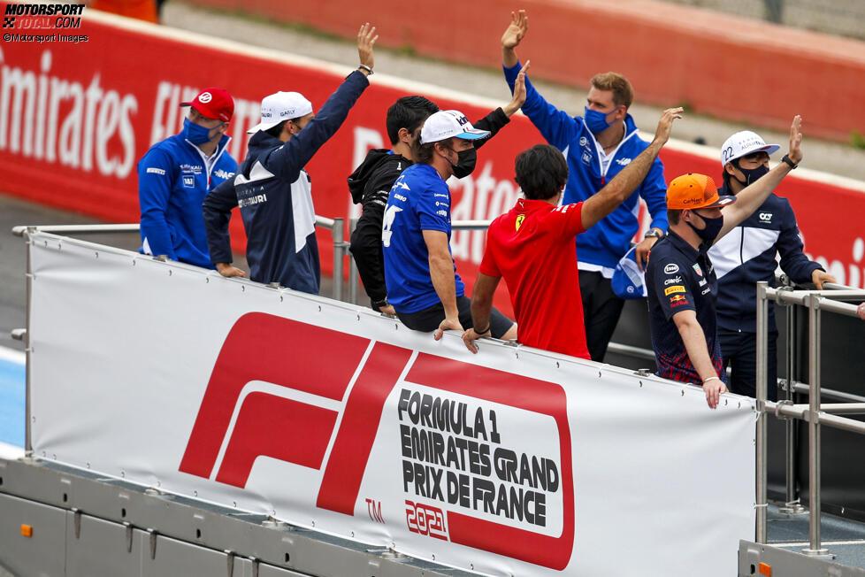 Nikita Masepin (Haas), Pierre Gasly (AlphaTauri), Esteban Ocon (Alpine), Fernando Alonso (Alpine), Carlos Sainz (Ferrari), Max Verstappen (Red Bull), Mick Schumacher (Haas) und Yuki Tsunoda (AlphaTauri)
