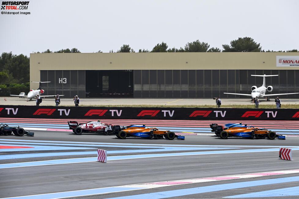 Daniel Ricciardo (McLaren), Fernando Alonso (Alpine), Lando Norris (McLaren) und Antonio Giovinazzi (Alfa Romeo)