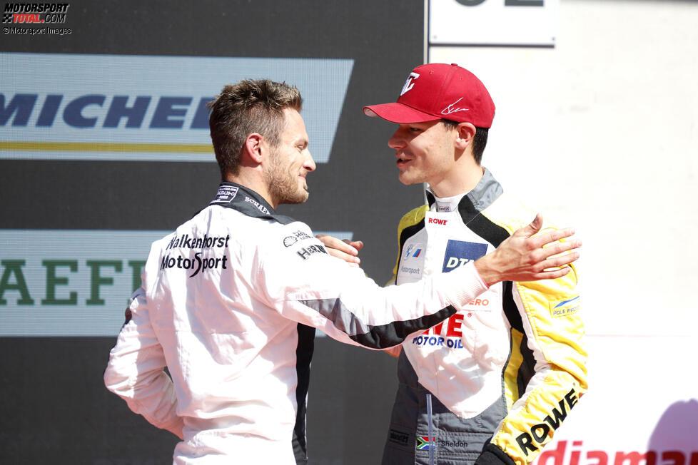 Marco Wittmann (Walkenhorst-BMW) und Sheldon van der Linde (Rowe-BMW)