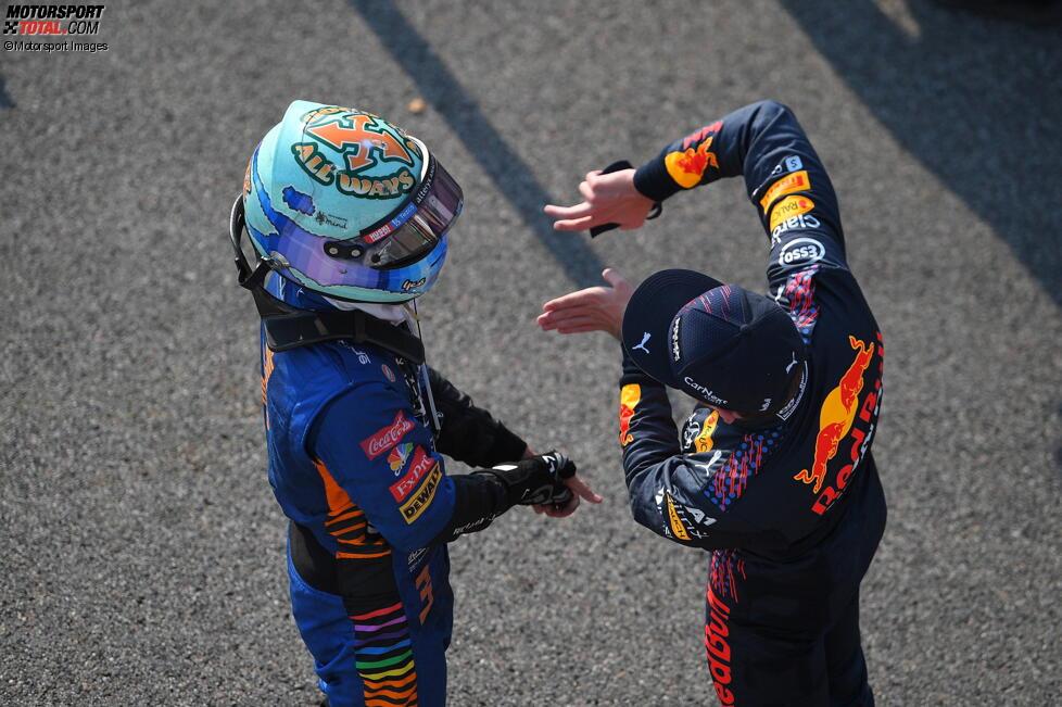 Daniel Ricciardo (McLaren) und Max Verstappen (Red Bull)