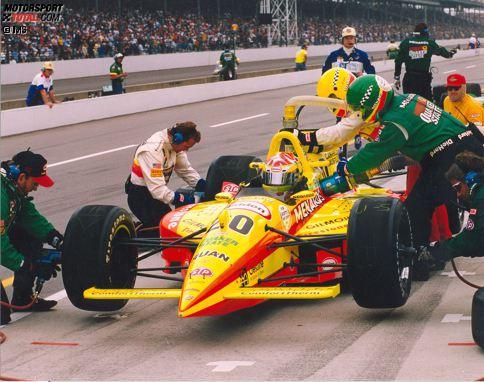 1996: Der junge Tony Stewart fährt sein erstes Indy 500 in einem Lola-Buick von Team Menard, damals schon mit der Startnummer 20. Er wird 24.