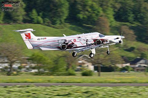 Wer sich's leisten kann: Peter Saubers Team muss momentan zwar jeden Franken zweimal umdrehen, doch das Senior-Management fliegt zu den Europa-Rennen trotzdem mit dieser Pilatus-PC-12-Maschine. Freilich in erster Linie dank einer Kooperation mit dem Flugzeughersteller.