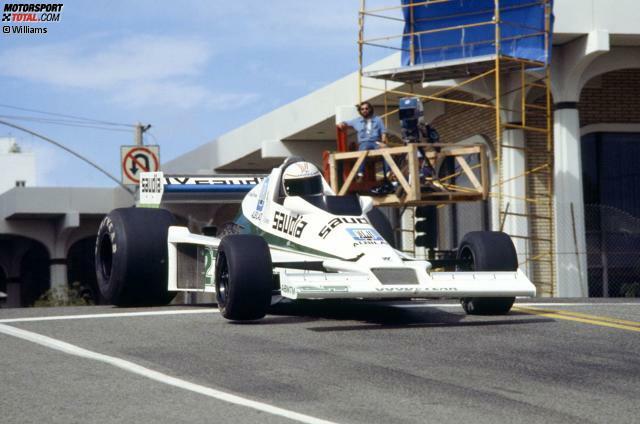 Der FW06 für die Saison 1978 ist das erste selbstgebaute Williams-Chassis aus der Feder von Patrick Head. Alan Jones fährt damit beim US-Grand-Prix in Long Beach auf das Podium. Sieger: Carlos Reutemann auf Ferrari, ein künftiger Williams-Pilot.