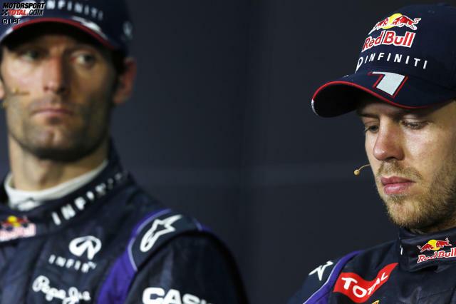 Es war einer der kuriosesten Doppelsiege aller Zeiten: Sebastian Vettel gewann den Großen Preis von Malaysia 2013 vor seinem Red-Bull-Teamkollegen Mark Webber. Doch es war die Art und Weise, wie dieser Sieg zustande gekommen war, die die Gemüter erhitzte und die Mienen erstarren ließ. In einem Grand Prix, der noch etliche weitere skurile Geschichten schrieb. Darauf blicken wir in dieser Fotostrecke zurück!