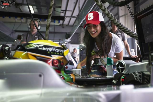 Seit 2007 sind Lewis Hamilton und Nicole Scherzinger (mit Unterbrechungen) ein Paar und ein beliebtes Fotomotiv in der Boxengasse.