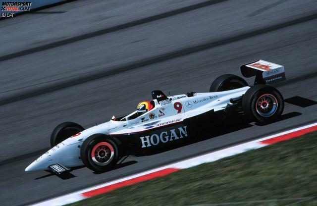 Die IndyCar-Karriere von Helio Castroneves (geboren am 10. Mai 1975 in Sao Paulo) beginnt mit der CART-Saison 1998 im Bettenhausen-Team. Zur Saison 1999 wechselt der Brasilianer ins Hogan-Team und fährt auf dem Gateway International Raceway in St. Louis auf Platz zwei. Ende des Jahres steht Gesamtrang 15 zu Buche.