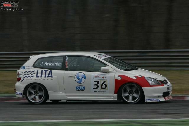 Zu Beginn der Saison 2005 tummelt sich auch ein Honda Civic im Starterfeld. Dieses Fahrzeug, das von Jens Hellstrom pilotiert wird, ist aber nur bei zwei Rennen am Start. Erst 2012 feiert dieses Honda-Modell als neues Werksauto sein Comeback in der WTCC.