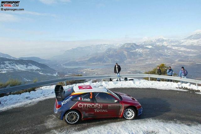 1999 dreht Sebastien Loeb seine ersten Runden in einem WRC-Auto, 2002 - hier ein Foto von der Rallye Monte Carlo - dreht er schon regelmäßig seine Runden im WM-Zirkus. Bei der Rallye Deutschland gewinnt Loeb erstmals einen WRC-Lauf, 2004 seinen ersten von insgesamt neun WM-Titeln.