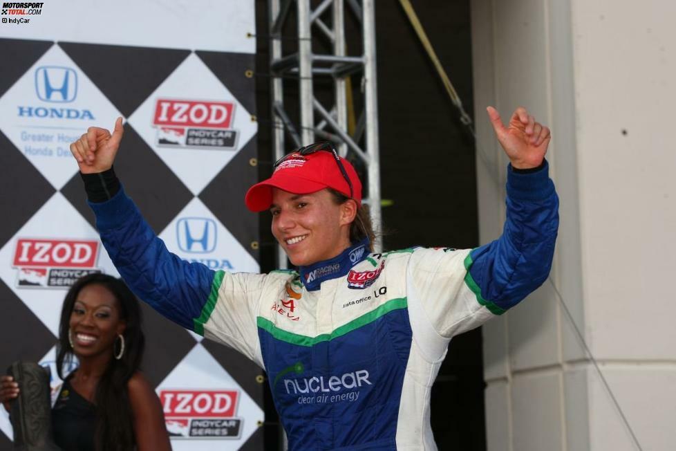 Die Schweizerin Simona de Silvestro (Jahrgang 1988) sorgt seit der Saison 2010 bei den IndyCars für jede Menge Furore. Die