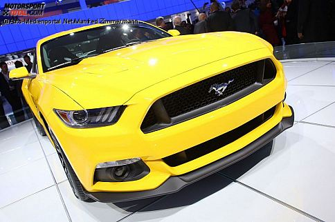 news ford mustang 2015 preis in deutschland ab euro auto bei motorsport. Black Bedroom Furniture Sets. Home Design Ideas