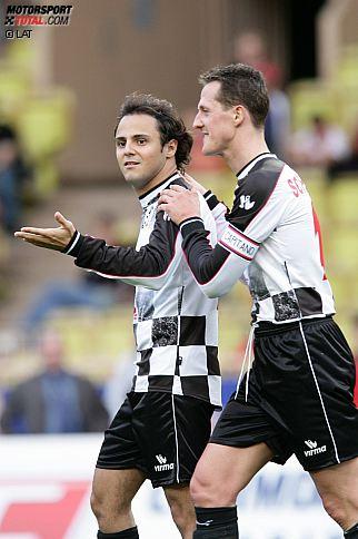 """Felipe Massa pflegt seit seinem Formel-1-Debüt eine innige Freundschaft zu seinem Kollegen Michael Schumacher. """"Wir haben viel zusammen durchgemacht. Er war ein wichtiger Mensch in der Zeit, als meine Karriere in der Formel 1 vor zwölf Jahren begann. Wir waren immer zusammen. Michael hat mir alles beigebracht. Umgang mit Menschen, Umgang mit dem Auto. Ich habe mir viel von ihm abgeguckt und bin ihm auf ewig dankbar für die gemeinsame Zeit"""", sagt der Brasilianer."""