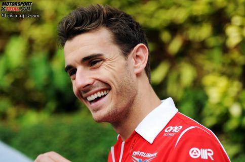Jules Bianchi wird am 3. August 1989 in Nizza geboren. Der Spross einer Rennfahrerfamilie (Großonkel Lucien gewann 1968 die 24 Stunden von Le Mans und fuhr im selben Jahr beim Formel-1-Grand-Prix von Monaco als Dritter aufs Podium) zeigt schon in jungen Jahren, dass auch er Benzin im Blut hat.