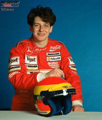 Im feuerroten Overall in die DTM: Ellen Lohr, die schon 1987 ihr erstes DTM-Rennen bestritten hat, steigt zur Saison 1991 bei Mercedes ein. Nach dem Meistertitel in der Formel Ford und einigen Jahren in der Formel 3 sucht sie nun im Tourenwagen nach einer neuen Herausforderung. Und die findet sie in der DTM!