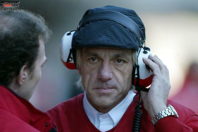 #10: Der österreichische Designer Gustav Brunner hat schon zweimal für Ferrari gearbeitet, aber so viel Geld wie zwischen 2001 und 2005 bei Toyota hat er nie zuvor verdient. Bevor er das Toyota-Angebot annimmt, empfindet er dieses finanziell zwar als gut, aber nicht überragend - bis er merkt, dass die vereinbarte Gage jährlich gedacht ist und nicht wie irrtümlich angenommen für die komplette Vertragslaufzeit.