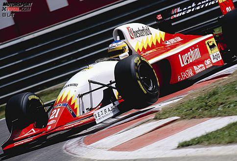 #10: Fahren dürfen nur die Hinterbänkler - Sie ist der große Trumpf der Williams-Mannschaft. Doch nicht nur deshalb will die FIA der aktiven Radaufhängung beim Kanada-Grand-Prix 1993 einen Riegel vorschieben. Die fortschrittliche, aber unglaublich kostenintensive Technik wird von den Kommissaren bei der technische Abnahme als Fahrhilfe eingestuft und bei allen Teams für nicht-regelkonform befunden worden. Gleiches gilt für die Autos, die auf eine Traktionskontrolle setzten.Hintergrund: Die Systeme beeinflussen hydraulisch die Aerodynamik respektive entziehen dem Piloten teilweise die Kontrolle über den Vortrieb. Es entsteht die Drohkulisse, dass die Scuderia-Italia-Hinterbänkler Michele Alboreto und Luca Badoer die einzigen Starter in Montreal sind. Das Verbot wird bis Anfang 1994 aufgeschoben, dann aber durchgesetzt.