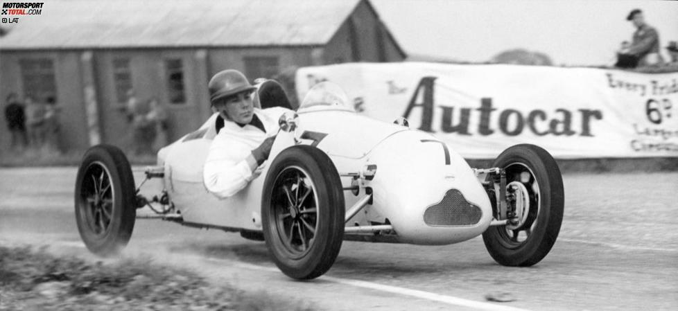 Die Rennfahrerkarriere von Stirling Moss (geboren am 17. September 1929 in London) beginnt 1948 am Steuer eines Cooper 500 in der Britischen Formel 3