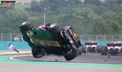 Christian Klien (2004-2006): Mit Unterstützung von Red Bull debütierte der Österreicher 2004 bei Jaguar in der Formel 1. Nach der Übernahme des Rennstalls durch den Engergy-Drink-Hersteller fuhr Klien auch 2005 und 2006 bei den meisten Grands Prix für das nun Red-Bull-Racing genannte Team an der Seite von David Coulthard. Ende 2006 schied Klien nach Streitigkeiten über einen Wechsel in die ChampCar-Serie aus dem Red-Bull-Kader aus. Später war der Österreicher Testfahrer für Honda und BMW-Sauber und fuhr 2010 drei Rennen für HRT. Bis zuletzt war Klien im Langstreckensport aktiv.