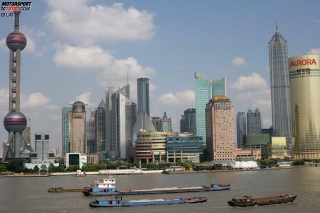 Willkommen im Reich der Mitte, Marcus Ericsson! Ein Erstbesuch oder Wiedersehen? Caterhams Neuling sind die politisch-territorialen Verhältnisse der Volksrepublik China mit ihren Sonderwirtschaftszonen nicht ganz klar.
