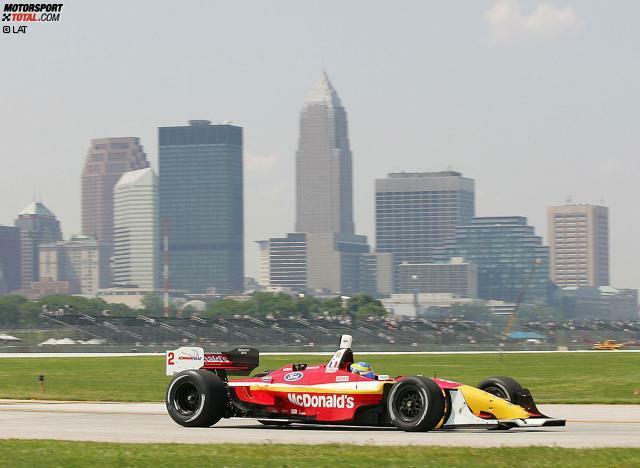 Sebastien Bourdais (geboren am 28.02.1979 in Le Mans) feiert seine größten Erfolge in den USA (hier Cleveland 2004). Im Newman/Haas-Team gewinnt er von 2004 bis 2007 viermal in Folge den ChampCar-Titel.