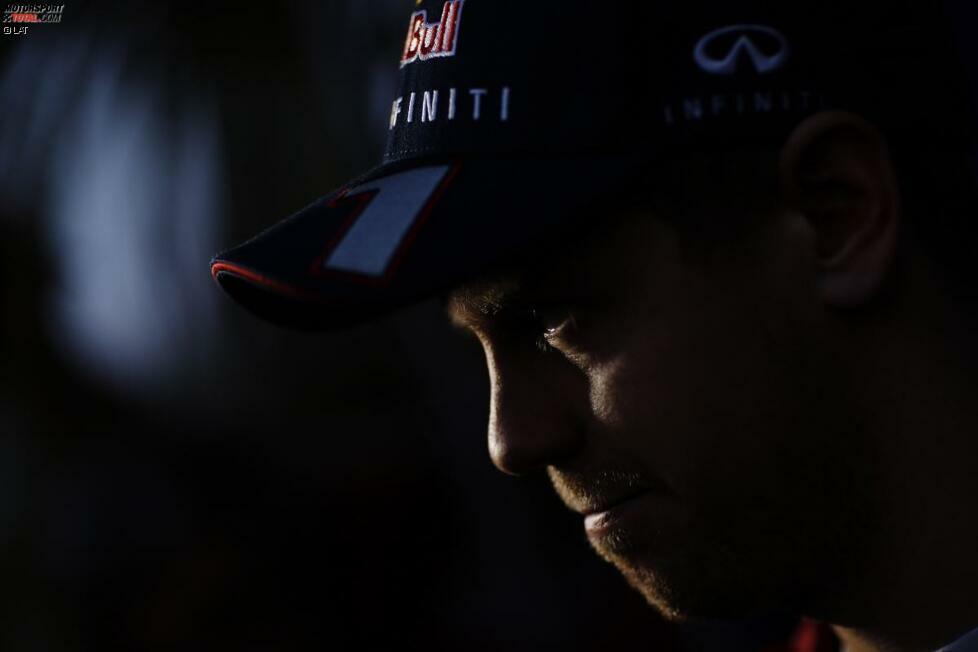 Sebastian Vettel hat die Formel 1 in den letzten Jahren dominiert und viermal in Folge den WM-Titel gewonnen. Nach den umfangreichen Regeländerungen ist der 26-Jährige mit seinem Red-Bull-Rennstall vor der am Sonntag in Melbourne beginnenden Saison überraschend ins Hintertreffen geraten. Fünf Gründe, warum der Heppenheimer 2014 trotzdem erneut Champion wird - oder eben nicht. (Text: SID)