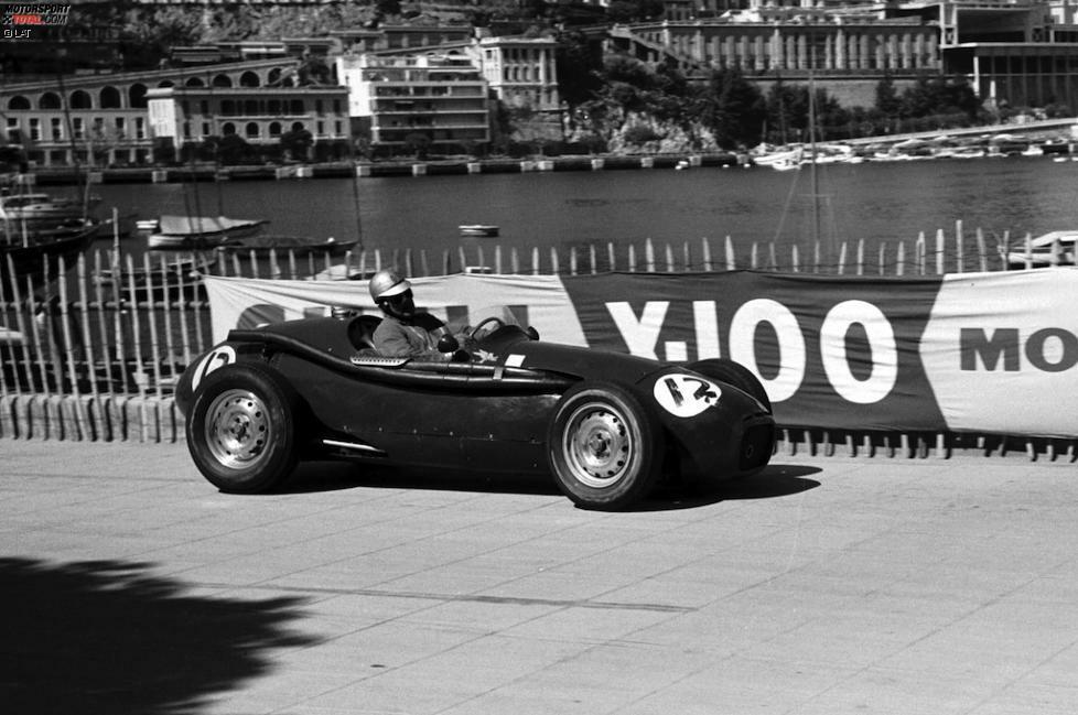 1951 hat Ecclestone, der zu dieser Zeit mit überschaubarem Erfolg in der damaligen Formel 3 unterwegs ist, schwere Crashs auf seiner Hausstrecke in Brands Hatch zu überstehen. Er beendet seine aktive Laufbahn vorläufig, um Fahrermanager zu werden. Erst sieben Jahre später klettert er wieder ins Cockpit und versucht zweimal erfolglos, sich für Grands Prix der Königsklasse zu qualifizieren.