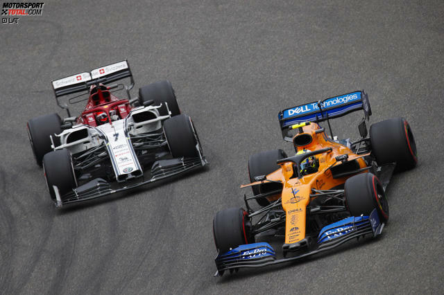 #15 Beim Grand Prix von China 2019 bringt Rookie Lando Norris den Finnen auf die Palme. Der McLaren rundet sich zurück, was Kimi überhaupt nicht gefällt.