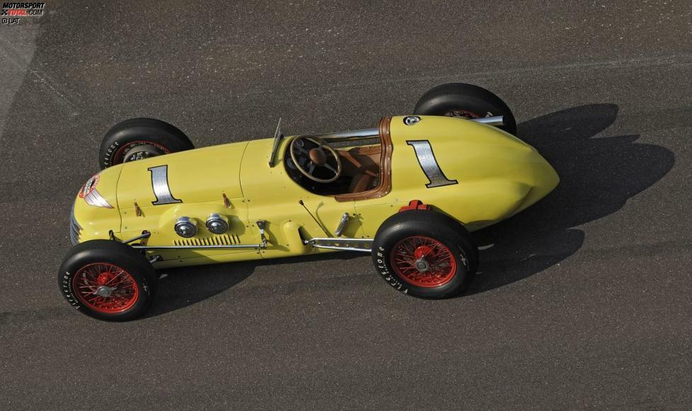 Den Anfang der US-Historie in der Formel 1 macht eine Legende: In den ersten elf Jahren der Weltmeisterschaft (1950 bis 1960) ist das berühmte Indy 500 im Oval von Indianapolis fester Bestandteil des Formel-1-Rennkalenders. Zehn Piloten, allesamt aus den USA, tragen sich in diesem Zeitraum in die Siegerliste ein. Bill Vukovich ist der Einzige, dem zwei Siege (1953 und 1954) gelingen. Das Foto zeigt das Siegerauto von Johnnie Parsons aus dem Jahr 1950, den Kurtis-Kraft-Offenhauser mit der Startnummer 1.