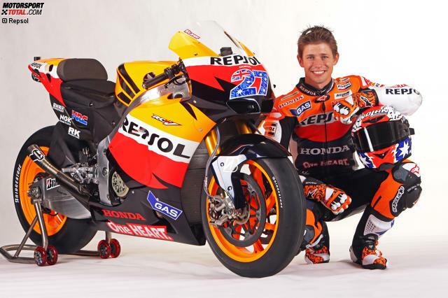 Casey Joel Stoner wurde am 16. Oktober 1985 in Australien geboren. Er zählt zu den erfolgreichsten Fahrern der MotoGP-Ära, besonders der kurzen 800er-Phase. Mit zwei WM-Titeln auf zwei unterschiedlichen Fabrikaten hat Stoner Geschichte geschrieben.