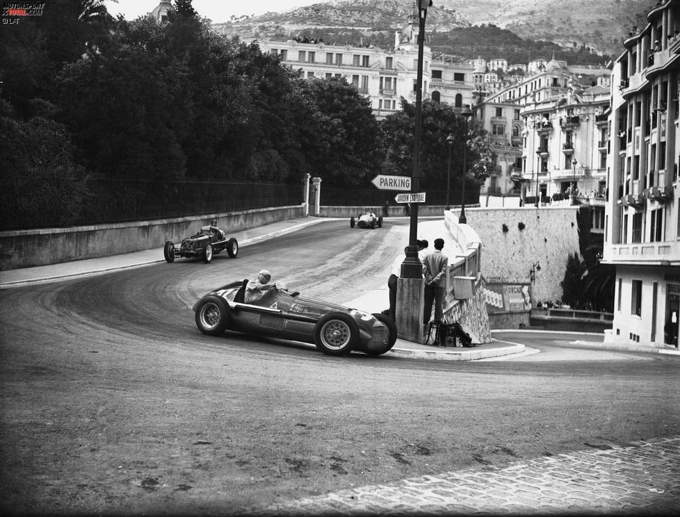 Mit dem Grand Prix von Monaco 1950 beginnt die Erfolgsgeschichte von Juan Manuel Fangio in der Formel 1. Gleich im zweiten Rennen der Geschichte gelingt dem Argentinier am Steuer eines Alfa Romeo der erste Sieg.